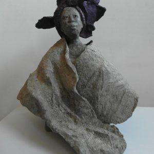 OVIE EYA, Pappmaché/bemalt, H. 45 cm, 2013
